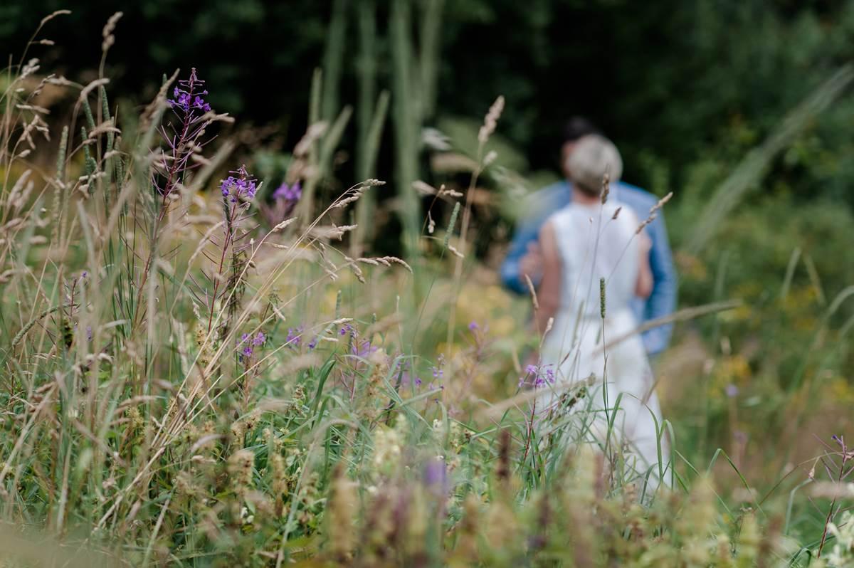 Kleine Hochzeit: ein Brautpaar berichtet